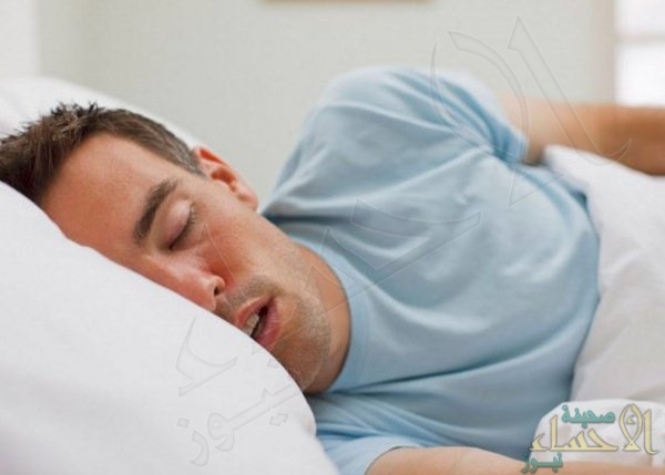 النوم والأكل متأخرا والسمنة.. دراسة تكشف العلاقة الحقيقية