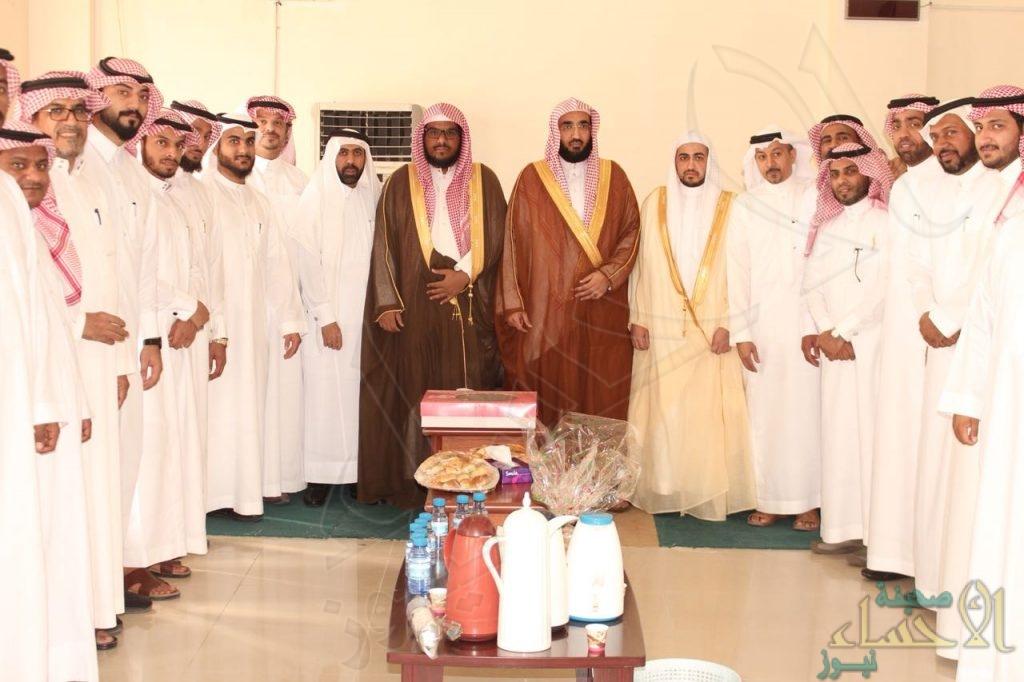 """بحضور """"الشيخ الحواس"""" .. المحكمة الجزائية تعايد منسوبيها"""