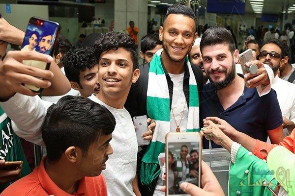 انضم للأهلي 3 سنوات.. البرازيلي دي سوزا يصل مطار جدة