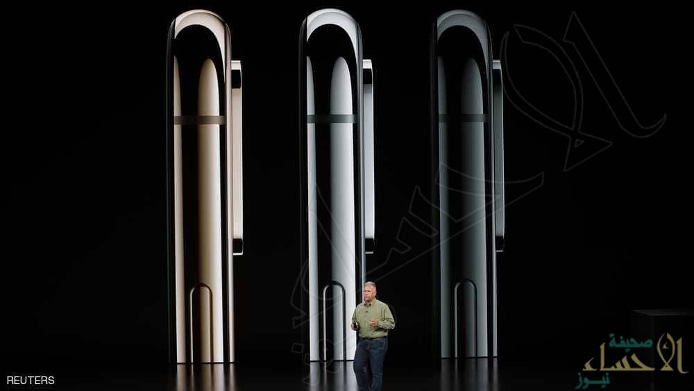 بالصور.. أبل تكشف النقاب عن هاتفي آيفون الجديدين