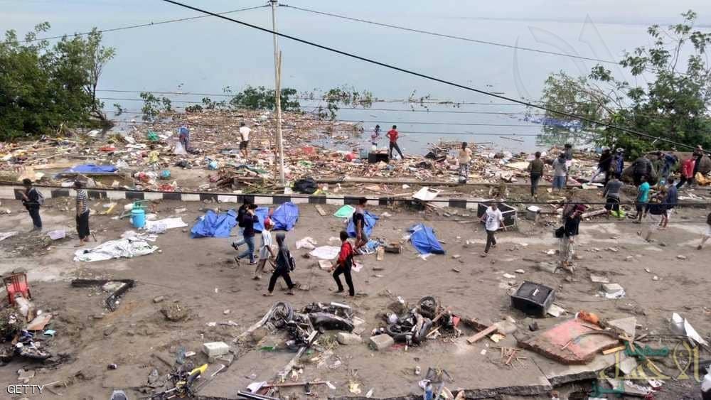 تسونامي إندونيسيا.. خراب ودمار و جثث في العراء