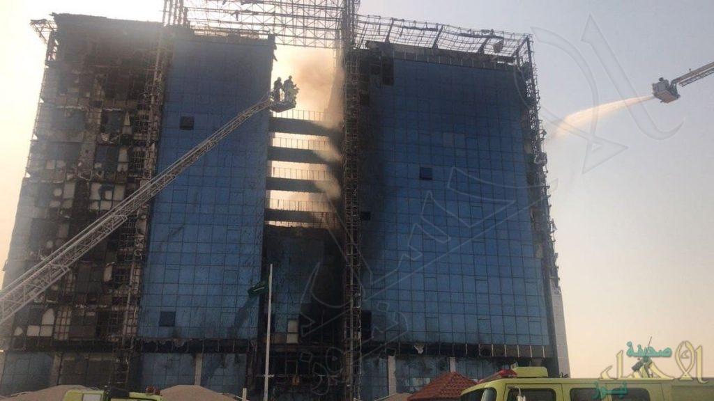 """طيران أرامكو يشارك الدفاع المدني إخماد حريق """"نيابة الدمام"""""""