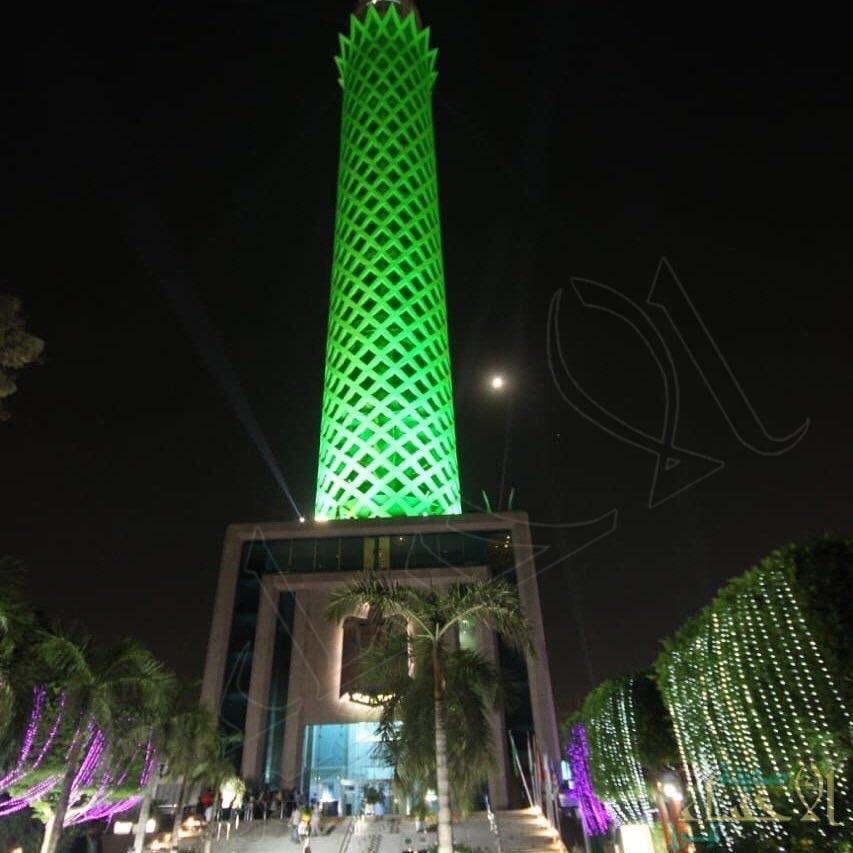 برج القاهرة يتزين باللون الأخضر