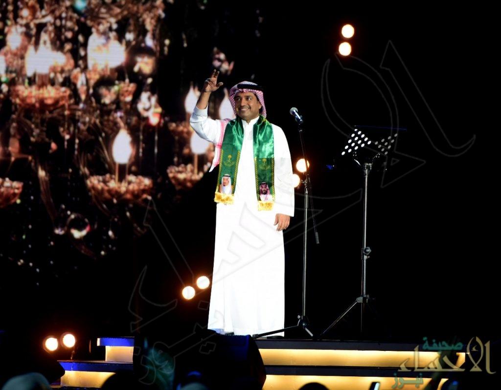 راشد الماجد ينثر فنه طرباً باليوم الوطني88 بالشرقية