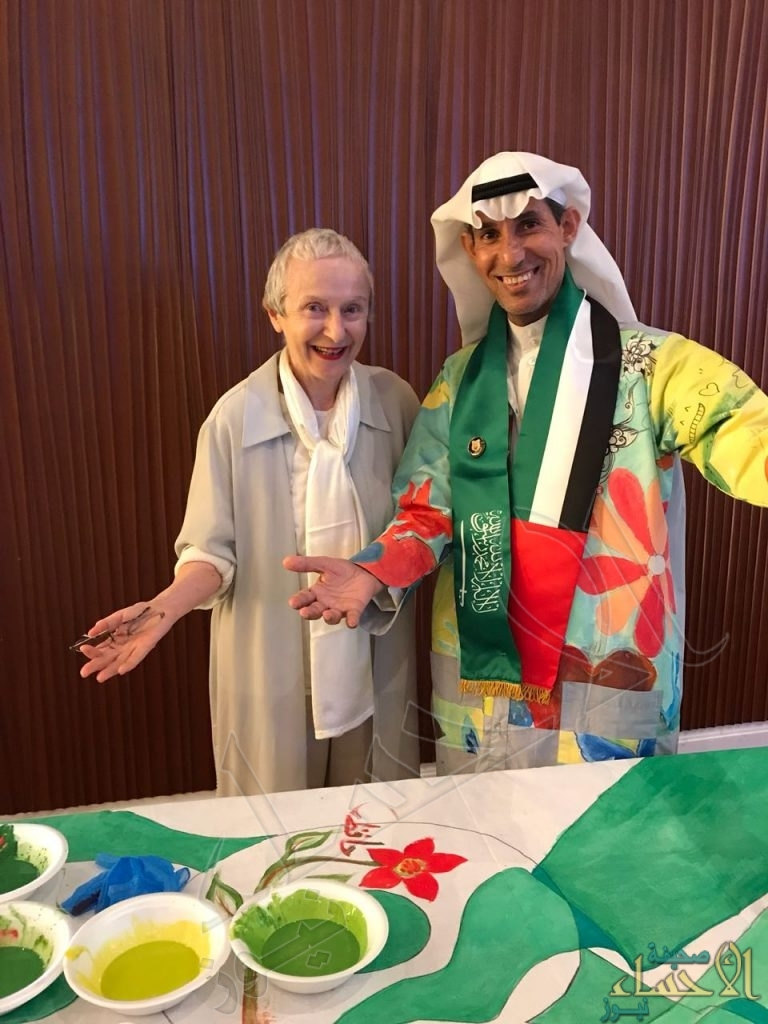 في ملتقى الشارقة الدولي .. رواة العالم يحتفلون باليوم الوطني للمملكة