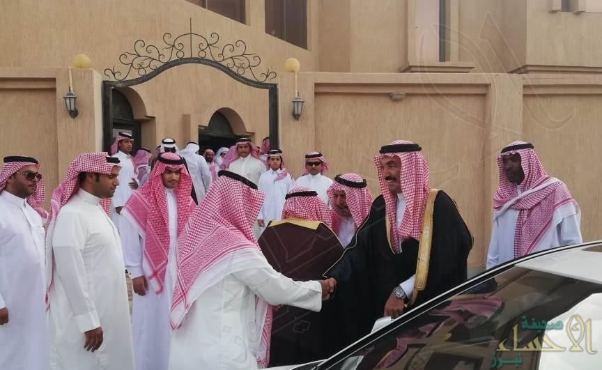 """سمو الأمير """"عبدالعزيز بن محمد"""" يُعزي أسرة """"النويران"""""""