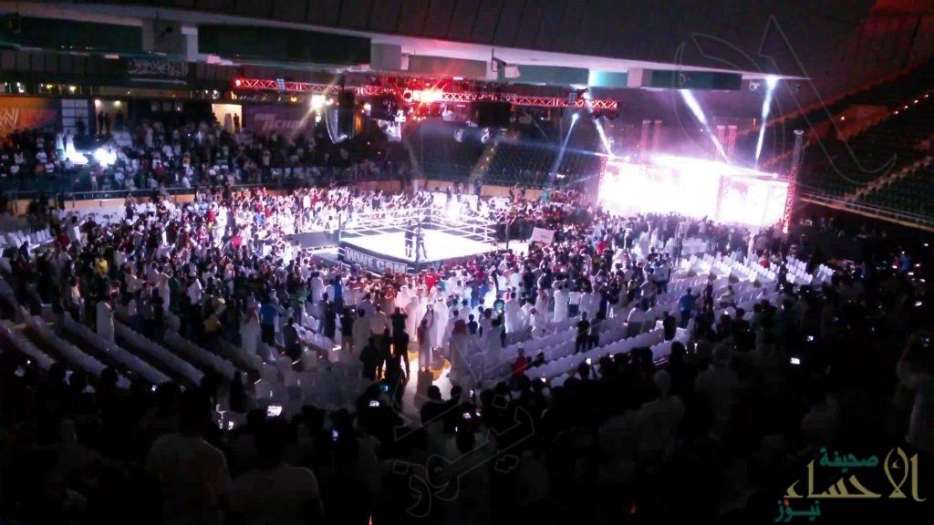 الرياض تترقب عمالقة المصارعة الحرة