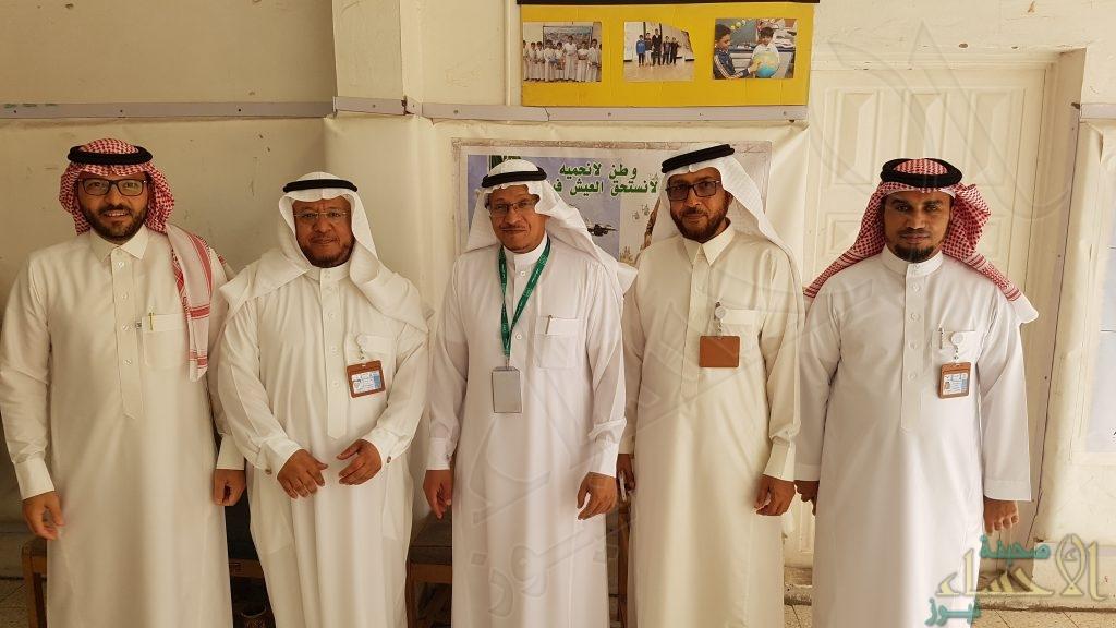 """مشرف العموم بوزراة التعليم يزور إبتدائية """"الإمام النسفي"""""""