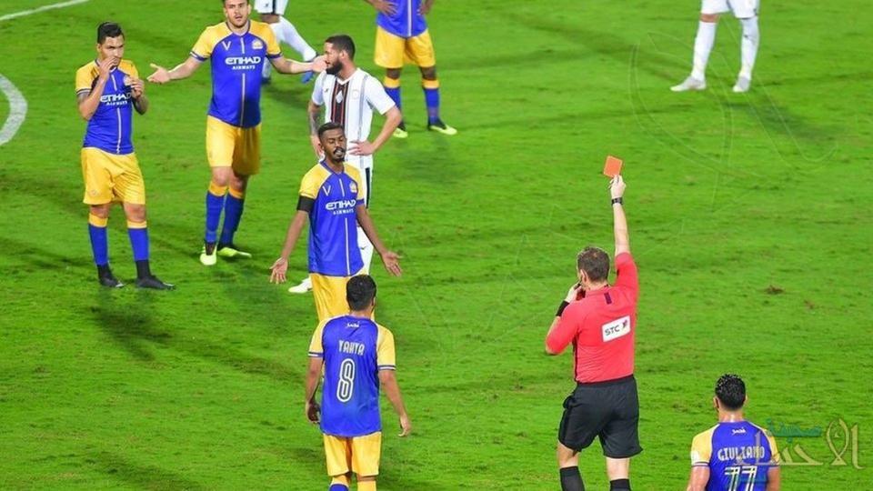لجنة الانضباط توقف بيتروس وبلعمري مباراة واحدة