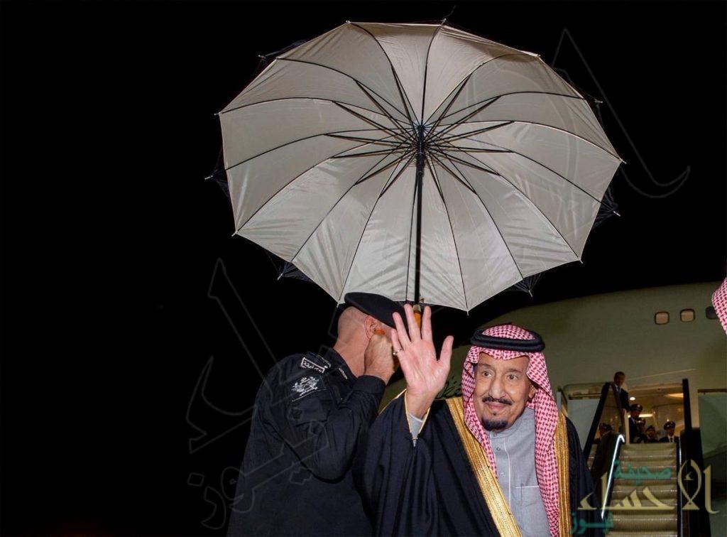 بالصور.. خادم الحرمين الشريفين يغادر الرياض متجها إلى القصيم