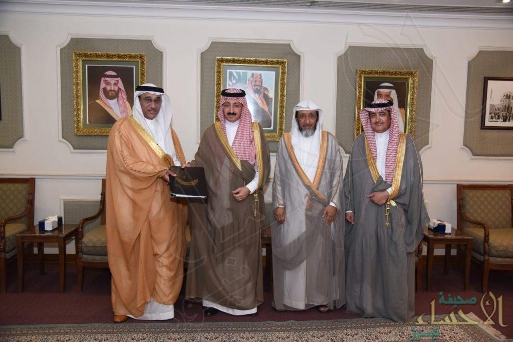 """الأمير """"بدر بن جلوي"""" يطّلع على التقرير السنوي لـ""""فروسية الأحساء"""""""