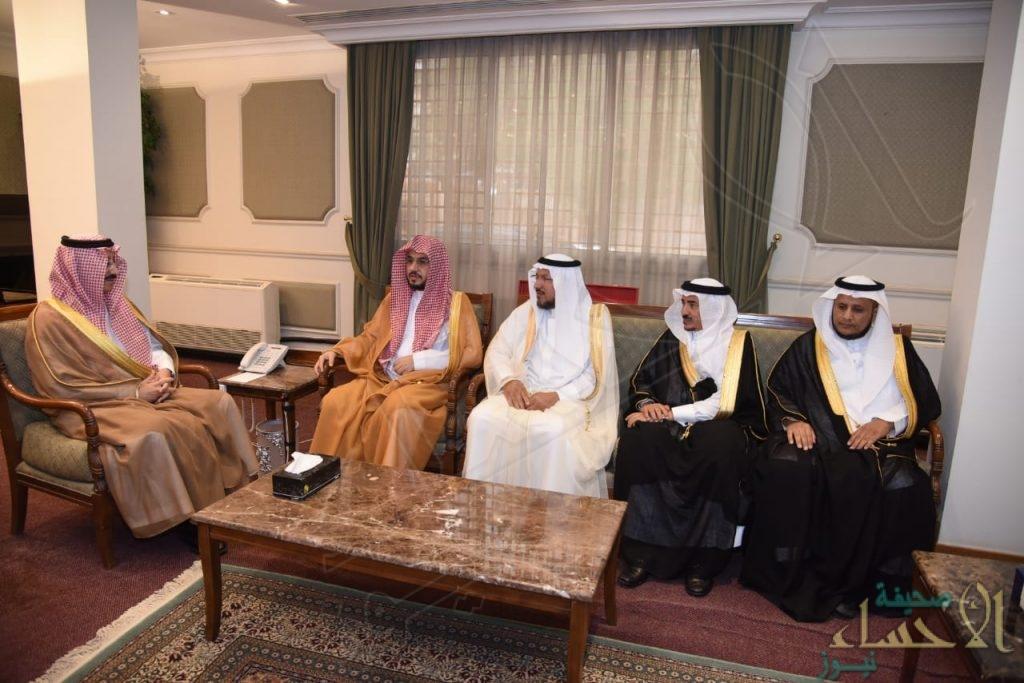 """الأمير """"بدر بن جلوي"""" يستقبل الأمين العام لـ""""هيئة كبار العلماء"""" في الأحساء"""