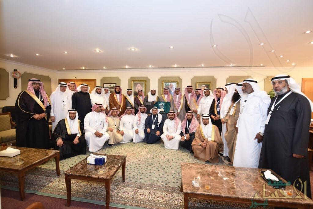 """بالصور… """"محافظ الأحساء"""" يستقبل رؤساء """"المجالس البلدية"""" في المملكة"""