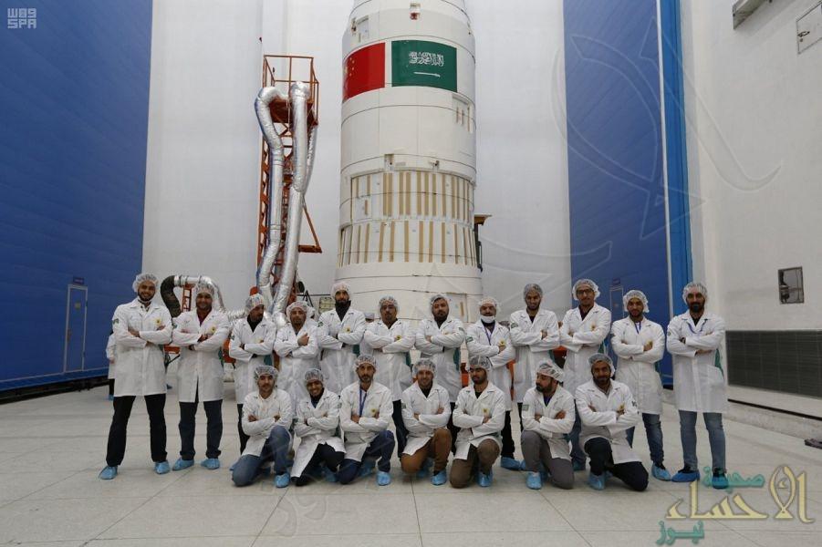 """أعضاء فريق """"سعودي سات5"""" : تخوفاتنا أذهبها نجاح الإطلاق"""