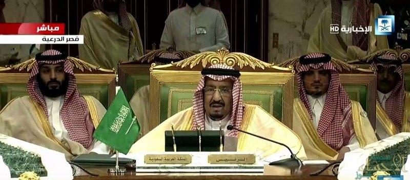 خادم الحرمين لأعضاء القمة الخليجية: وهبنا الله الثروات ومنطقتنا تمر بالتحديات وحريصون على الكيان