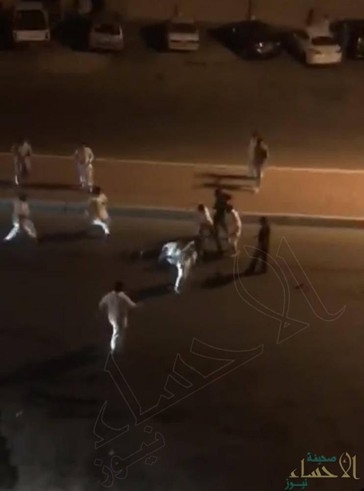 """""""شرطة مكة"""": سبب """"مشاجرة جدة"""" خلاف حول """"موقف سيارة"""" !!"""