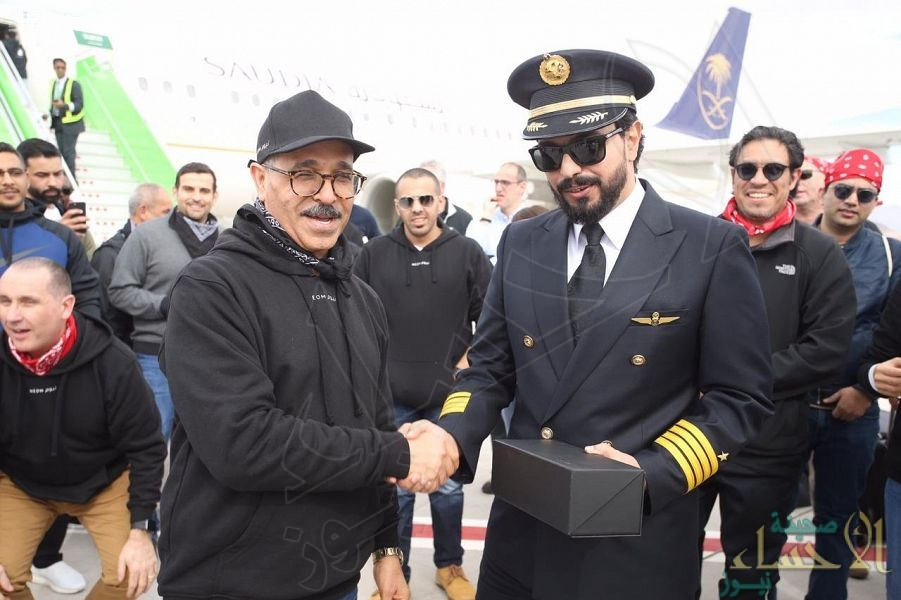 """بالصور.. مطار """"نيوم"""" يستقبل أول رحلة للخطوط السعودية"""