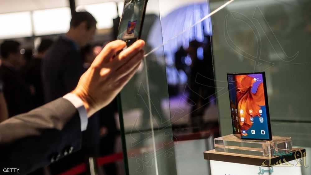 """معرض برشلونة .. هواتف قابلة للطي و """"خيبة أمل"""" الجمهور"""