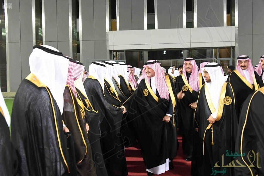 """بالصور… الأمير """"سعود بن نايف"""" يرعى حفل تخريج الدفعة الـ40 بـ""""جامعة الملك فيصل"""""""