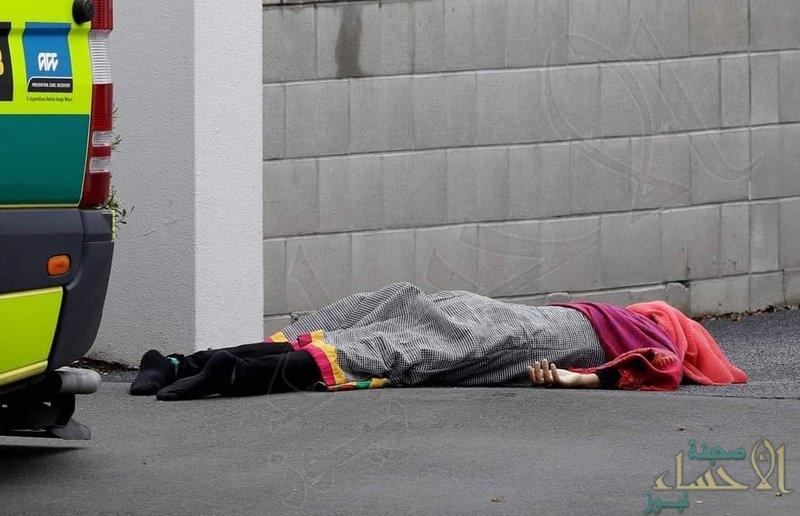 بالصور… مقتل  49 و إصابة آخرون بإطلاق نار في اعتداء على مسجدين بنيوزلندا