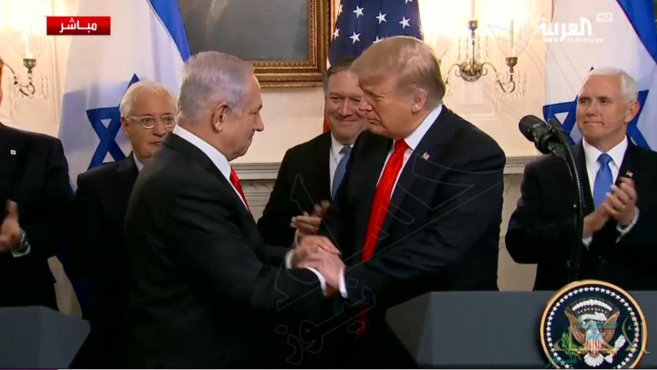 اعتراف من لا يملك لمن لا يستحق .. ترمب يعترف رسمياً بضم الجولان المحتل لإسرائيل !