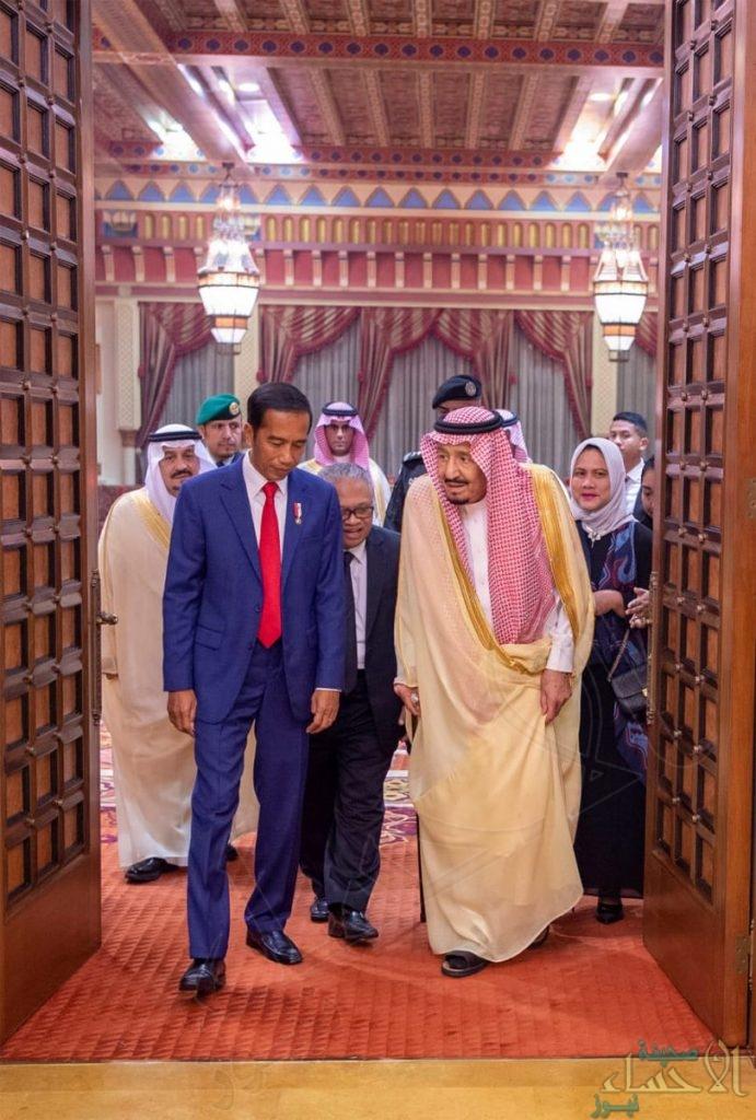 بالصور.. خادم الحرمين يعقد جلسة مباحثات مع رئيس جمهورية إندونيسيا