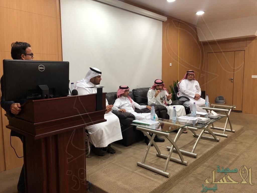 """""""عمل الأحساء"""" يقدم مشروع تدريبي لـ""""طلاب الحقوق"""" بجامعة الملك فيصل"""
