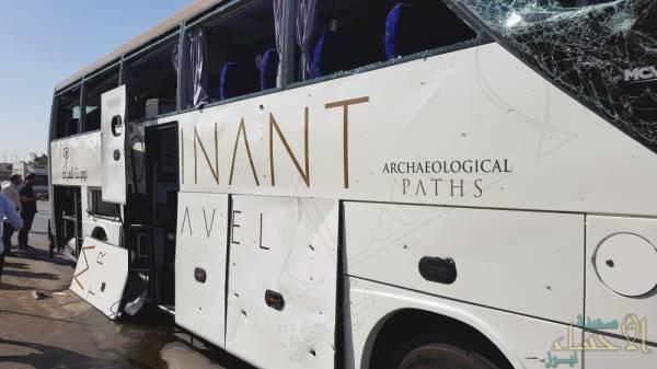مصر: 16 مصابا في استهداف حافلة سياحية
