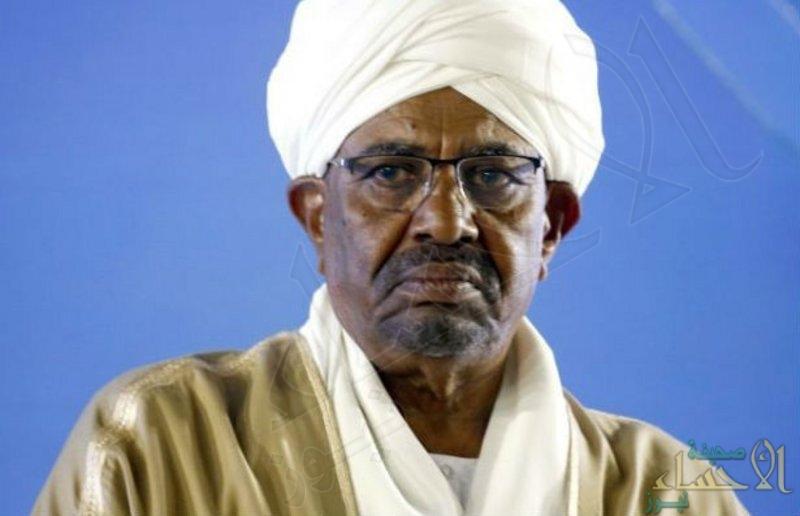 """السودان .. المجلس العسكري يعلن هروب """"شقيق البشير"""" إلى تركيا"""