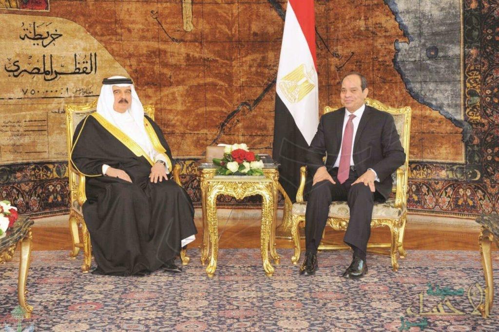ملك البحرين يصل القاهرة لدعم التعاون وبحث المستجدات الإقليمية