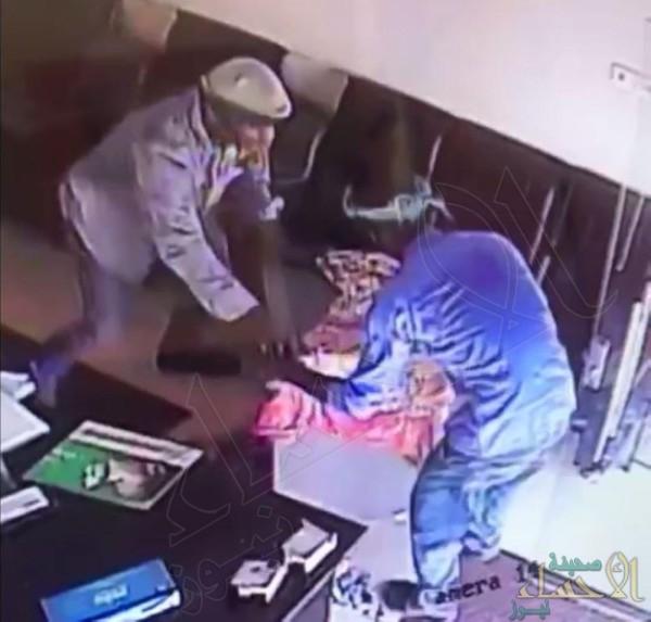 """سرقة خزنة من مؤسسة تجارية .. و""""شرطة الشرقية"""" تكشف التفاصيل !!"""