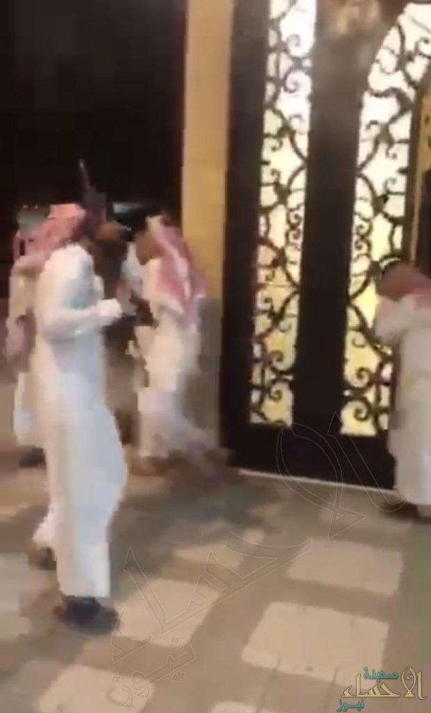 النائب العام يوجِّه بالقبض على شاب أطلق النار في إحدى المناسبات