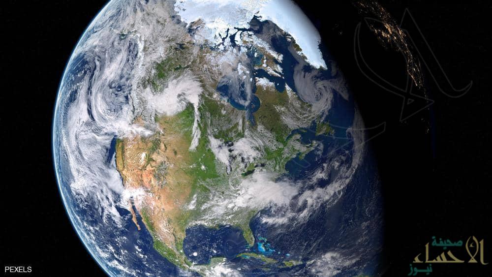كل إنسان يدور حول الأرض 5 مرات في حياته !!