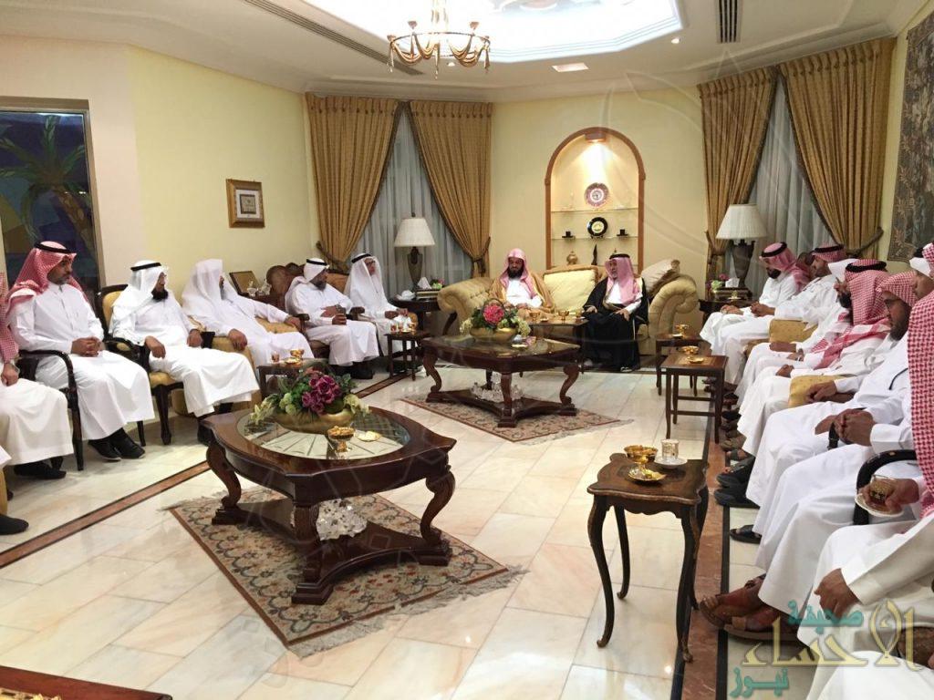 """""""البوعلي"""" رئيس بلدي الأحساء يحتفي بـ""""الخالدي"""" لحصوله على """"الدكتوراه"""""""