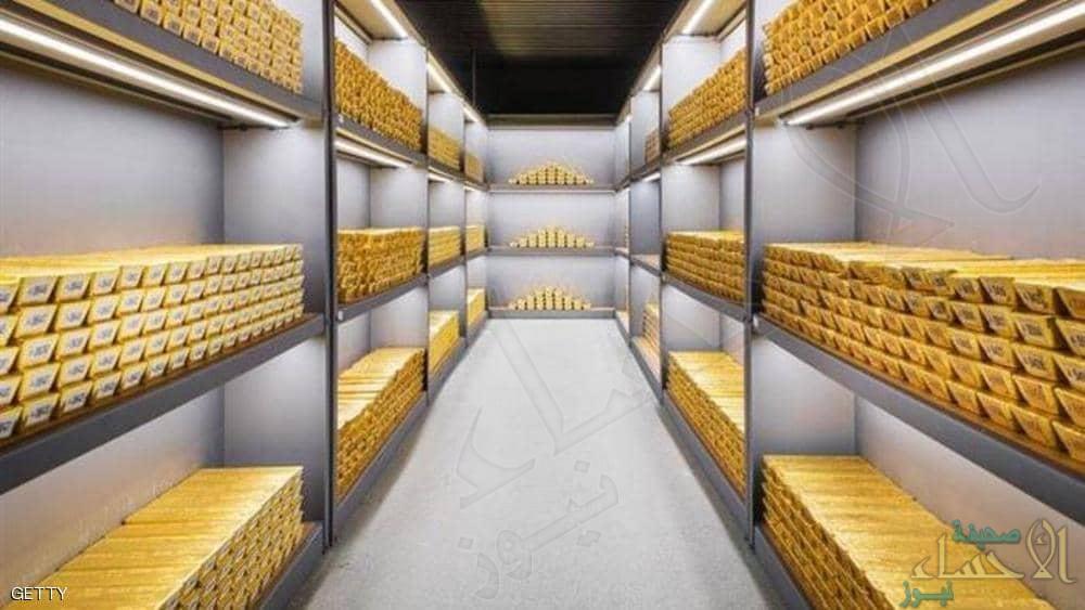 الذهب يستقر قرب أعلى مستوى في 6 أعوام