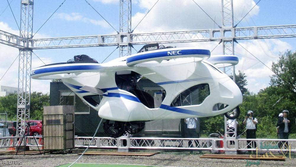 قد تمثل حلا لمشكلة الازدحام المروري .. تجربة يابانية ناجحة لسيارة طائرة
