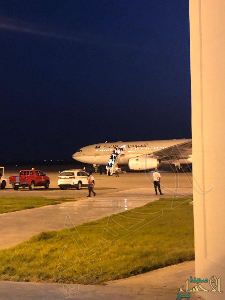 """بالصور … مطار الأحساء يستقبل أولى دفعات الحجاج العائدين من """"الأراضي المقدسة"""""""