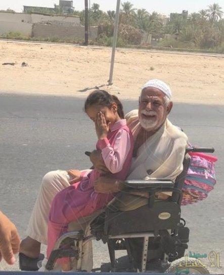 """""""تركي آل الشيخ"""" يُلبّي طلب """"مُسن الأحساء"""" قبل قليل .. والسعادة تغمره مشاهدًا نفسه بالتلفاز"""