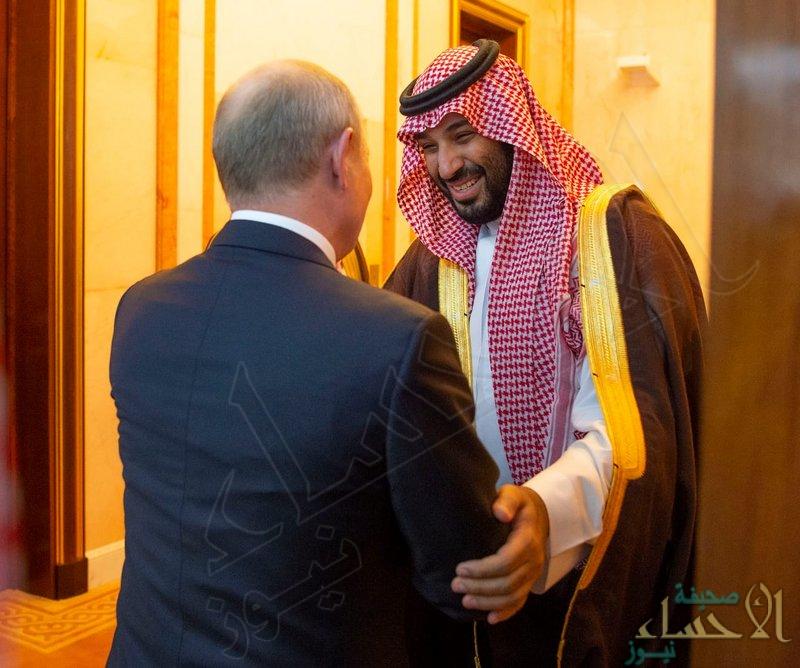 """شاهد.. كيف استقبل سمو """"ولي العهد"""" الرئيس الروسي؟"""