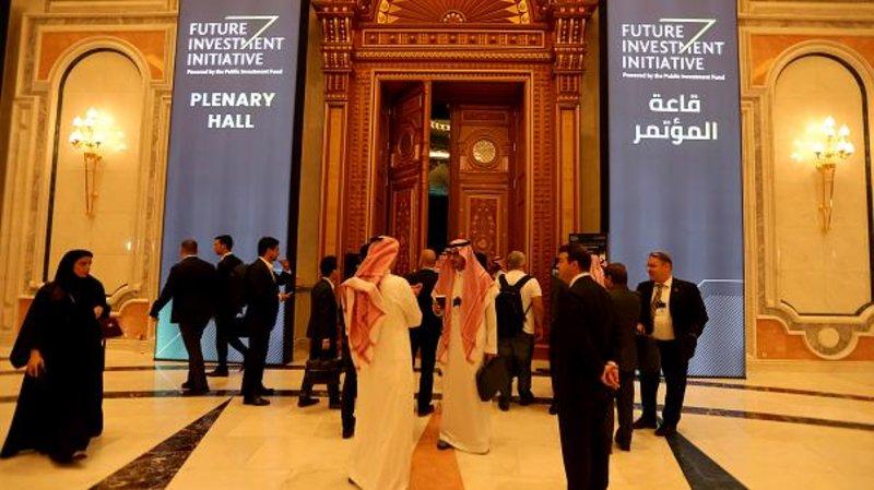 """مغردون: """"دافوس الصحراء"""" يثبت أن السعودية دولة رائدة محورية ووجهة لرجال الاقتصاد"""