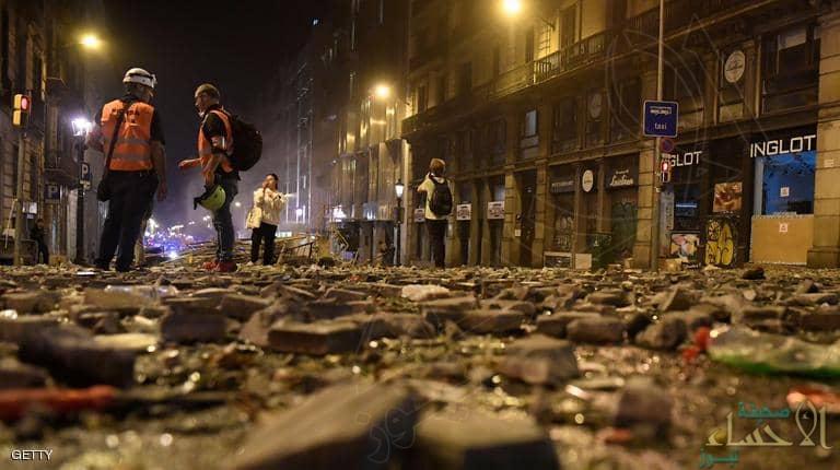 برشلونة.. اشتباكات بمظاهرات شارك فيها نصف مليون شخص