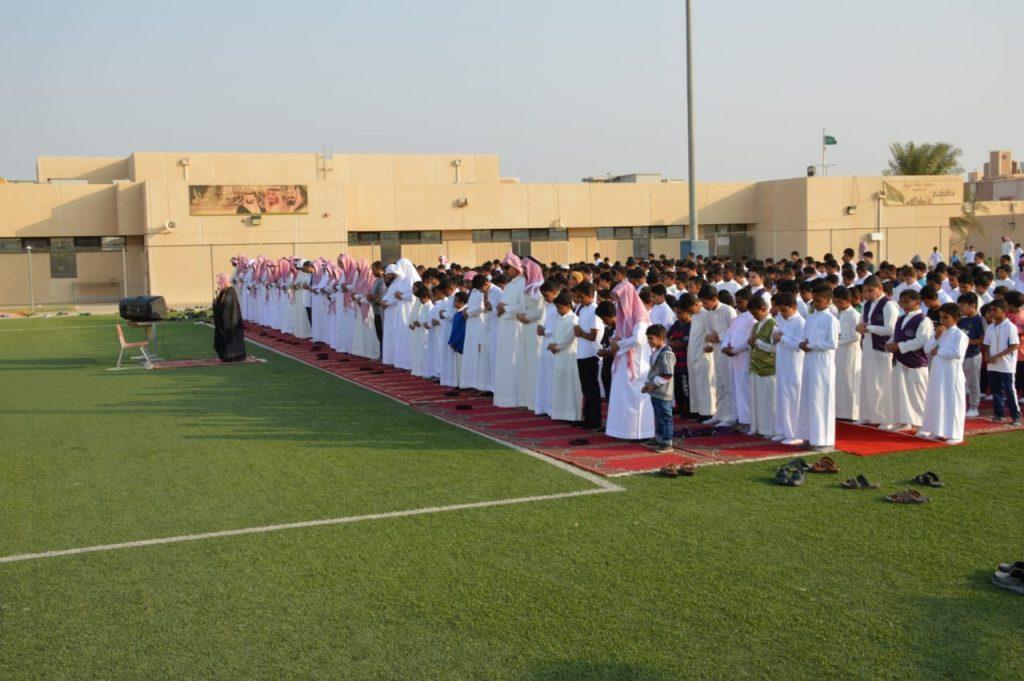 """ابتدائية """"الأمير محمد بن فهد"""" تُقيم """"صلاة الاستسقاء"""""""