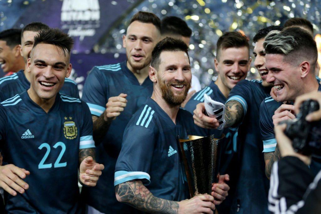 بالصور .. الأرجنتين تتغلب على البرازيل في المملكة.. وميسي يسحر الجماهير