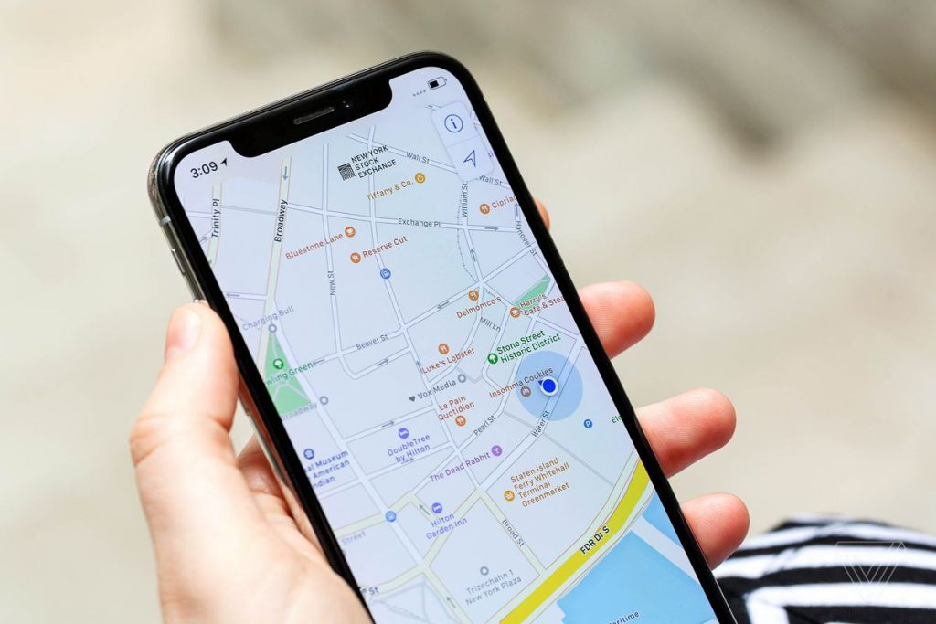 """""""Google Maps"""" تطور ميزة """"عداد سرعة"""" السيارة"""
