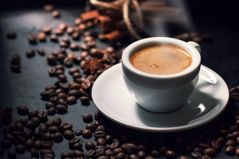 """في بريطانيا """"فنجان القهوة"""" يُحدد مصير الموظفين الجدد"""