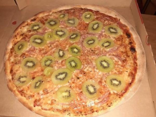 آخر اختراعات المطبخ … بيتزا بالفواكه!