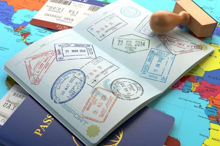كيف يدخل حاملو تأشيرات الشنغن وإنجلترا وأميركا إلى المملكة؟