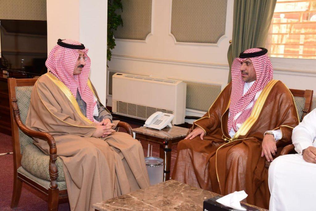 سمو محافظ الأحساء… يستقبل مدير فرع وزارة التجارة والإستثمار بالمحافظة