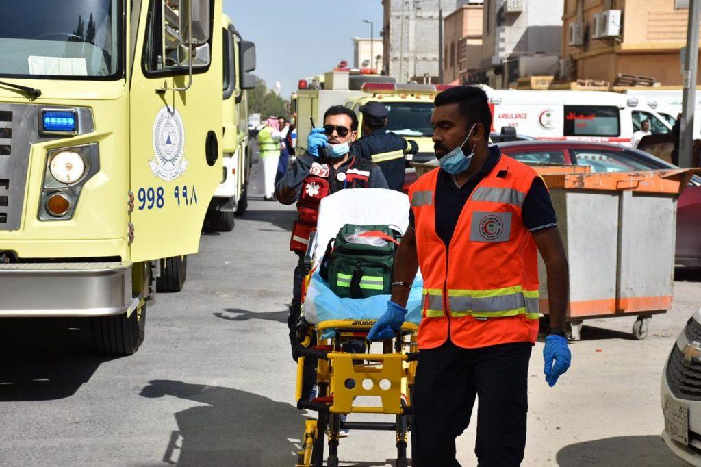 """اختناق 15شخصاً في حريق بمجمع تجاري بــ""""الدمام"""""""