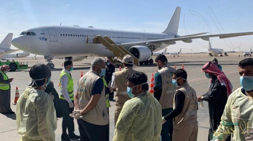 إجلاء 10 طلاب سعوديين من ووهان الصينية والخطوط الجوية تعلّق رحلاتها من وإلى جوانزو بسبب كورونا